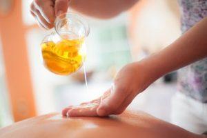 Ароматические массажные масла: польза или вред
