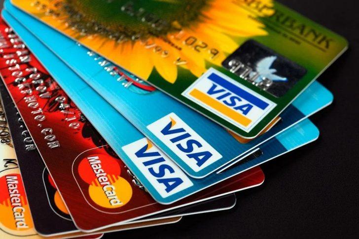 Кредитные карты: выгодные предложения 2021 года