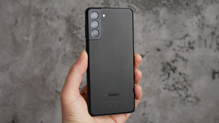 Обзор смартфона Samsung Galaxy S21+: флагман без излишеств