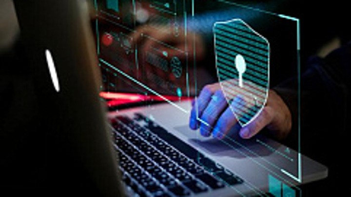 «Белый» хакер взломал десятки IT-компаний, включая Microsoft, Apple и Tesla