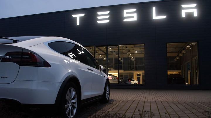 Tesla Илона Маска купила биткоины на $1,5 миллиарда