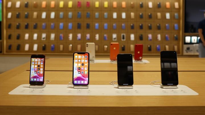 Бывший сотрудник: Apple бесплатно чинит и меняет айфоны вежливым покупателям