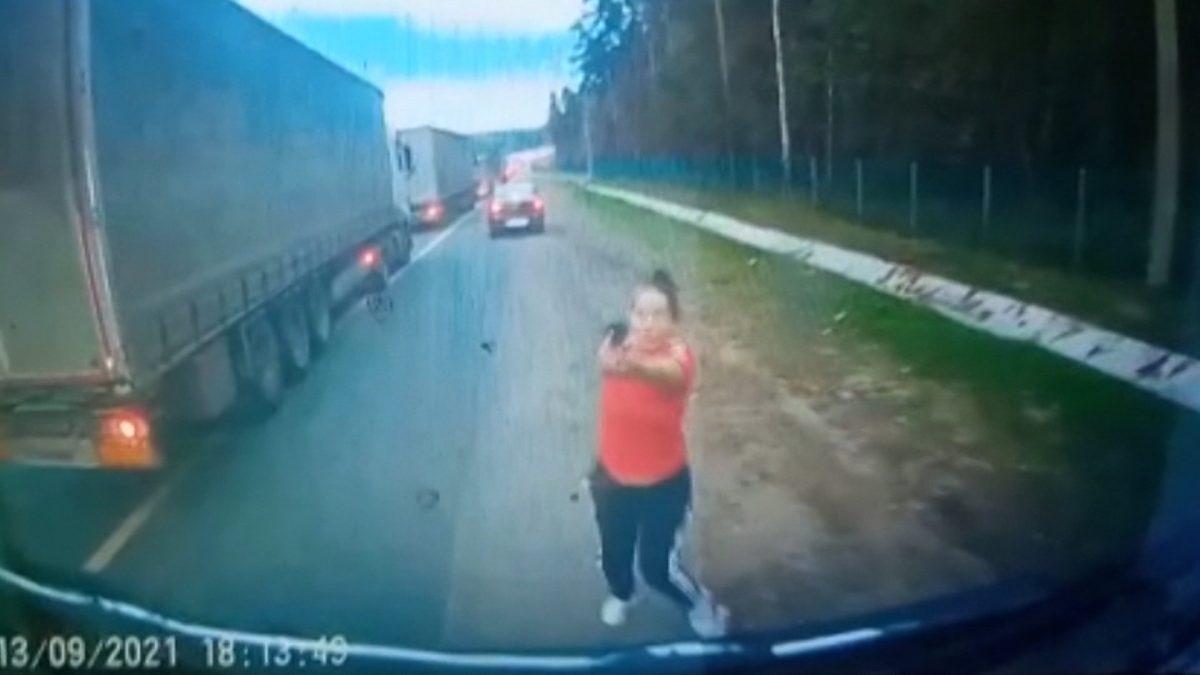 Дорожный конфликт в Подмосковье: в ход пошли пистолет и топор