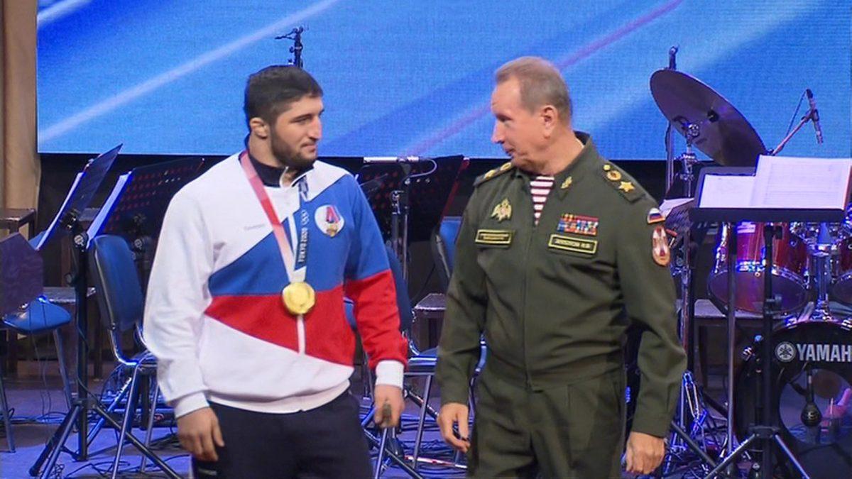 Глава Росгвардии наградил военнослужащих, участвовавших в Олимпиаде